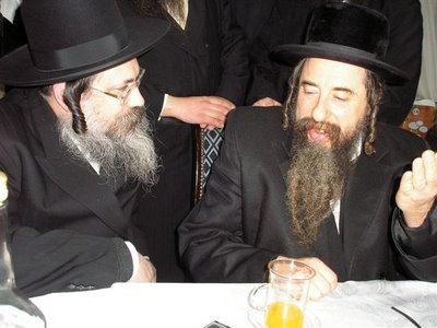 tolner Rebbe with family Rebbe